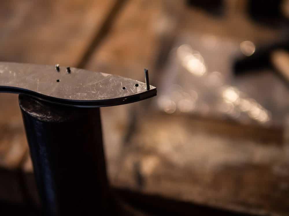 """Reportage photo réalisé par Pierre-Loup Ducout à Paris à l'atelier """"L'Etablisienne"""" lors d'un stage de fabrication de couteau"""