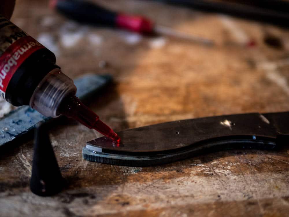 """Reportage photo par Pierre-Loup Ducout réalisé à l'atelier """"L'Etablisienne"""" lors d'un stage de fabrication de couteau"""