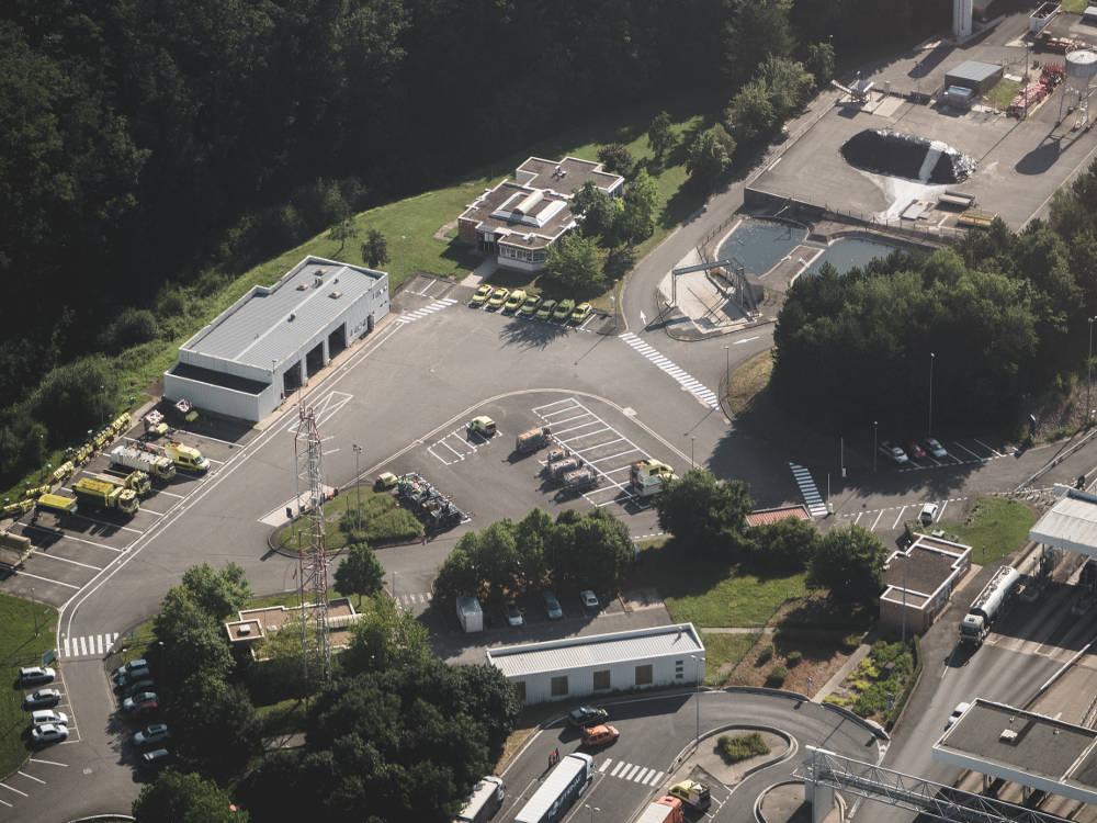 Photo aérienne d'un centre d'exploitation réalisée en drone par Pierre-Loup Ducout lors d'une mission pour Vinci autoroutes